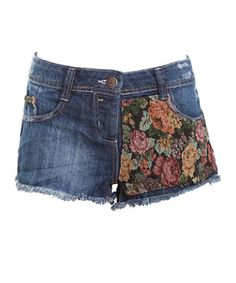 Work vintage flair in these denim cut off shorts with a floral tapestry panel. £22.99  #NewLookFashion  #doitindenim
