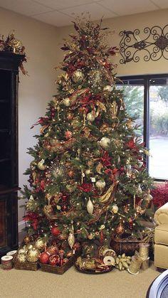 Christmas Tree Decorating Ideas | Tags: christmas tree, christmas tree decorations, white christmas tree, christmas tree toppers, christmas tree skirt, christmas tree stand, christmas tree lights, christmas tree ideas, christmas tree images, how to decorate a christmas tree. #christmasdecorations #christmastreedecorationsb #christmastree #christmasdecorationideas #christmastreeideas #treedecorations #christmascountdown