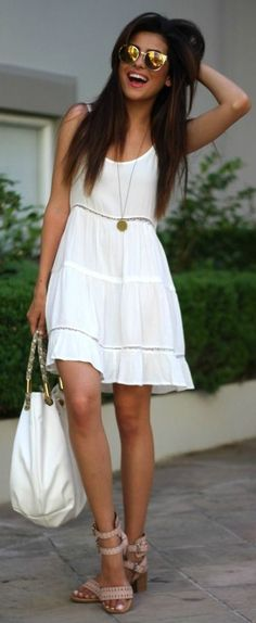 Fashion trends | White boho dress, blush strapped heels, white handbag