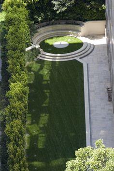 . Landscape Elements, Landscape Architecture Design, Green Landscape, Narrow Garden, Side Garden, Garden Paving, Garden Landscaping, Lush, Classic Garden