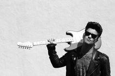 Bruno Mars with guitar