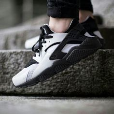 Black and White Huaraches Black and White Nike Shoes Sneakers