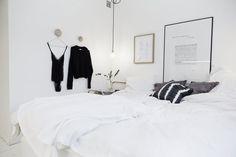 my scandinavian home: The beautiful apartment of a Swedish interior designer Barn Bedrooms, Home Bedroom, Bedroom Decor, Bedroom Ideas, Scandinavian Apartment, Scandinavian Home, Swedish Interiors, Minimalist Bedroom, New Room