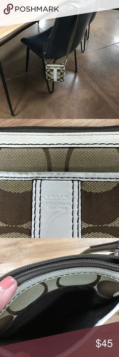 Coach cross body purse Super cute and clean no smell and no rips the purse itself measure 9x7  a proximally and the strap is adjustable it has a little spots  of normal wear not too noticeable Coach Bags Crossbody Bags