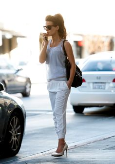 Kate Beckinsale making sweatpants and a ponytail look amazing. #ponytail #hairstyle eSalon.com