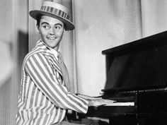 Jack Lemmon ~ started playing piano when he was a kid. As he told reporter James Carter in a 1993 interview, his first job in New York after deciding to pursue an acting career was playing piano, in a club run by another Harvard grad.
