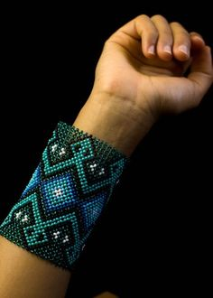 Pulseira Rautihu Yawanawa, kene Runumapu-Vusuna Loom Beading, Cuff Bracelets, Jewlery, Folk, Mexico, Beaded Necklace, Earrings, Pattern, Crafts