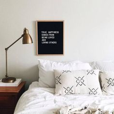 Decoração: Letterboard - Just Lia Home Bedroom, Bedroom Decor, Bedrooms, Wood Nightstand, Bedside, True Happiness, My New Room, Decoration, My Dream Home