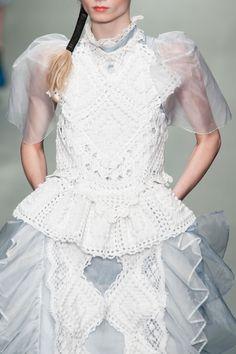 Bora Aksu at London Fashion Week Spring 2015 - StyleBistro