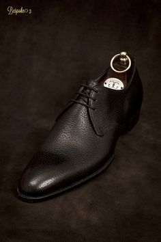 c61413d3253 G G rough grain Brown leather shoe.