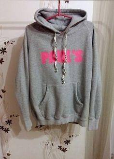 Kup mój przedmiot na #vintedpl http://www.vinted.pl/damska-odziez/bluzy/16716814-bluza-pauls-boutique-szara-rozowa-naszywki-rozmiar-s-m-l-uniwersalny-kangurka