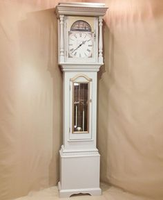 Grandfather clock Shabby Home, Shabby Chic, Grandmother Clock, Classic Clocks, Diy Furniture, Home Accessories, Home Improvement, New Homes, House Design