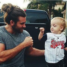 Community Post: 28 Men Who Prove Man Buns Are Beyond Sexy