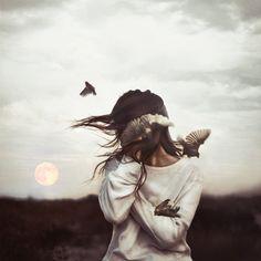 Dreamy photos with a story by Robby Cavanaugh #photography #portrait #fantasy #girl #birds #moon
