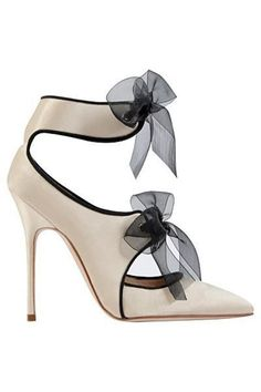 cool Manolo Blahnik Creme White Sandal with Bows Fall Winter 2013 Check more at http://www.uponshoes.org/manolo-blahnik-creme-white-sandal-with-bows-fall-winter-2013.html #manoloblahnikheelsfallwinter