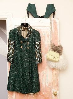 Trend Spotting Emerald Green Interiors in Design, Home Decor, Art, Accessories, Style and Fashion. Featured: Pantone Color of the Year 2013 Emerald Green Color Palettes in fashion