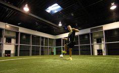 """Footbonaut"" die Trainingshilfe für 1 Million Euro"
