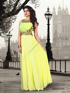 Жёлтое длинное платье в пол без рукавов