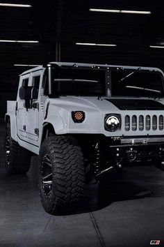 Hummer Was Initially A Brand Of Trucks And Suv's. It Was Basically A Military Vehicle Humvee. Later Civilian Version Of Hummer was Also Introduced. Hummer H3, Hummer H1 Alpha, Hummer Cars, Hummer Price, White Hummer, Bmw Scrambler, Futuristic Cars, Car Images, Jeep Truck