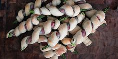 Sjov og fine små brød med asparges og bacon.