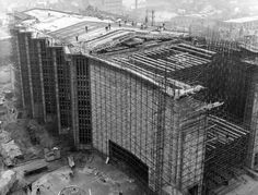 Black White Photos, Black And White, Coventry Cathedral, Under Construction, Brooklyn Bridge, Outdoor Furniture, Outdoor Decor, Exterior, Architecture