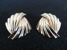 Vintage Ribbed Earrings, Gold Tone Earrings, Art Deco Earrings, Mid Century Earrings, Fashion Pierced Earrings,Gift for Her, FREE Shipping - pinned by pin4etsy.com