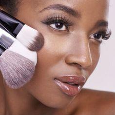 Maquillage peau noire : 10 astuces de maquillage pour les peaux noires et métissées