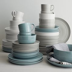 Sale ends soon. Shop Set of 4 Hue Light Grey Dinner Plates. Our fresh, contemporary porcelain pattern from designer Aaron Probyn tells a mix 'n' match color story, hand-glazed in six soft, soothing hues. Crate And Barrel, Grey Bowls, Blue Bowl, White Bowl, White Light, Grey Dinnerware, Dinnerware Sets, Grey Dinner Plates, Dinner Ware