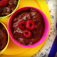 baby friendly chocolate mousse - my lovely little lunch box Baby Lead Weaning Recipes, Baby Food Recipes, Sweet Recipes, Oat Cookie Recipe, Cookie Recipes, Toddler Meals, Kids Meals, Toddler Food, Banana Oat Cookies