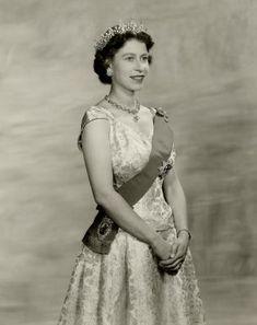 1956 The Queen, Dorothy Wilding