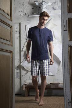 ANTONIO MIRO MEN HOMEWEAR COLLECTION 2017. Los mejores pijamas para este verano 2017. Pijama hombre azul, marca Antonio Miro para este verano, diseñado por Aznar Innova empresa textil en más de 30 países. Para mas artículos entra en https://www.admas.es/es #hombre #antoniomiro #pijamas #moda #verano #admas
