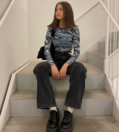 Mode Drill Buying Considerations With Cord or Without? Mode Outfits, Retro Outfits, Trendy Outfits, Vintage Outfits, Grunge Outfits, Vintage Clothing, Grunge Fashion, Look Fashion, 90s Fashion