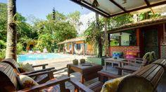 A Pousada Macunaíma está localizada em Arraial d'Ajuda, Bahia. Com excelente localização, a pousada está aproximadamente a 800 metros das principais atrações do lugar centro histórico, e das principais praias. A pousada ainda oferece diversas opções para a diversão dos hóspedes incluindo piscina, sauna, bar e jogos.