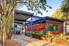 Austin, Texas home designed for artist by KRBD - one bedroom, two bathroom home comes complete with a pool ...