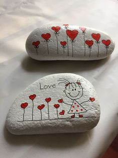 Looking for some easy painted rock ideas to get inspired by? See more ideas about Rock crafts, Painted rocks and Stone crafts. Stone Crafts, Rock Crafts, Crafts To Make, Crafts For Kids, Arts And Crafts, Clay Crafts, Homemade Crafts, Rock Painting Patterns, Rock Painting Ideas Easy