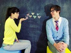 """Sevdiğiniz, hoşlandığınız, beğendiğiniz adına her derseniz deyin, sizin için önemli olan """"O"""" kişiyi etkilemek istiyor ama bir türlü başarılı olamıyor musunuz? Oysaki bazı temel noktalara dikkat ederek O'nu etkileyebilirsiniz. Sevdiğiniz erkeği elde etmek için neler yapmalısınız? 8 adımda onu kendinize aşık edin...Devamı: http://www.makalemarketi.com/iliskiler/flort/3445-hoslandiginiz-erkegi-elde-etmek-onun-icin-vazgecilmez-olmanin-8-yolu.html#ixzz25p8Kai6o"""