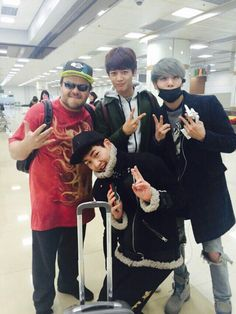 SHINee's Onew, Minho, and Jonghyun with Jack Black