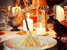 Rosely Pignataro: Decorando no Halloween -- would be cute as a favor (can keep it on the table to brush away crumbs)