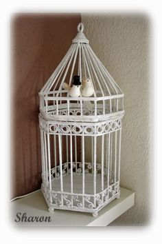 Cage from newspaper tubes, it is simple to create. The first thing I did was make a cardboard template the same way as the cage and my daughter. Newspaper Basket, Newspaper Crafts, Easy Crafts, Diy And Crafts, Deco Kids, Magazine Crafts, Paper Weaving, Diy Papier, Ideias Diy