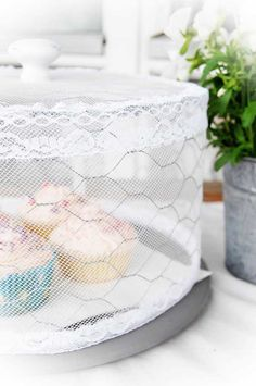 lace and chickenwire diy cake cover Cute Shabby DIY Projects seen in Heart Handmade blog