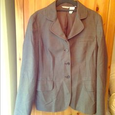 ✂️REDUCED! Barney's Brown-Grey Blazer Size 8✂️ This beautiful brownish-grey blazer from Barney's is a must for any professional woman's wardrobe. I don't work in an office anymore, so I have nowhere to wear it. Very soft and comfortable. Single-breasted, 3-button closure. Wool/silk/polyester blend. Size 8. It's wrinkled in the pic, but that's just because I hate ironing. Interested? Make me an offer! Barney's New York Jackets & Coats Blazers