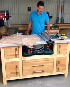 Woodworking Shop Setup Ideas, Woodworking Projects That Sell, Learn Woodworking, Workbench Plans, Woodworking Workbench, Woodworking Workshop, Wood Crafts That Sell, Garage Game Rooms, Washbasin Design