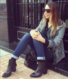 La instablogger @irinarules con botines negros de piel élysèss.