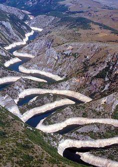 Uvac river, Serbia Albania, Places Around The World, Around The Worlds, Beautiful World, Beautiful Places, Saint Marin, Bosnia Y Herzegovina, Seen, Beautiful Landscapes