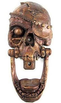 The Pirate Skull Door Knocker -- now gimme all your booty! Man, I could do that ALL DAY. This Pirate Skull Door Door Knockers Unique, Door Knobs And Knockers, Knobs And Handles, Door Handles, Cool Doors, Unique Doors, Windows And Doors, The Doors, Old Wooden Doors