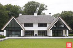 Van der Wardt - Rietgedekte Villa Bikbergen - Hoog ■ Exclusieve woon- en tuin inspiratie.