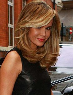 Shoulder length hair is the best! It's the ideal length for the woman who has tons of things to do but not the time to handle her hair. You can tie your hair in a bun or leave it loose without feeling frazzled. Haircuts For Medium Length Hair, Long Layered Haircuts, Medium Long Hair, Medium Hair Cuts, Medium Hair Styles, Long Hair Styles, Haircut Medium, Medium Cut, Medium Length Layered Hair