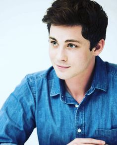 ((FC: Logan Lerman)) Kyle Fitz is the resident nerd and geek here at the academy. 16 years old, his favorite subjects are math and science. He's extremely intelligent. He feels he is an appreciated genius with his specialties lying in computers and biology//chemistry. His specialties are also in awkward tendencies and sarcastic comebacks. Don't worry, he's also friendly and open so come say hi whenever.
