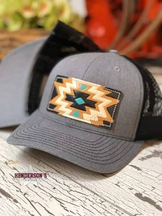 Complete your look with this with Black mesh that has a Aztec patch on front from Mcintire Saddlery. Cap Outfits For Women, Caps For Women, New Outfits, Western Girl, Western Hats, Western Chic, Country Hats, Cute Country Outfits, Country Life