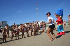 Balli di gruppo in spiaggia a #Rimini
